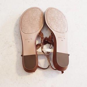 Unisa Shoes - T strap sandals